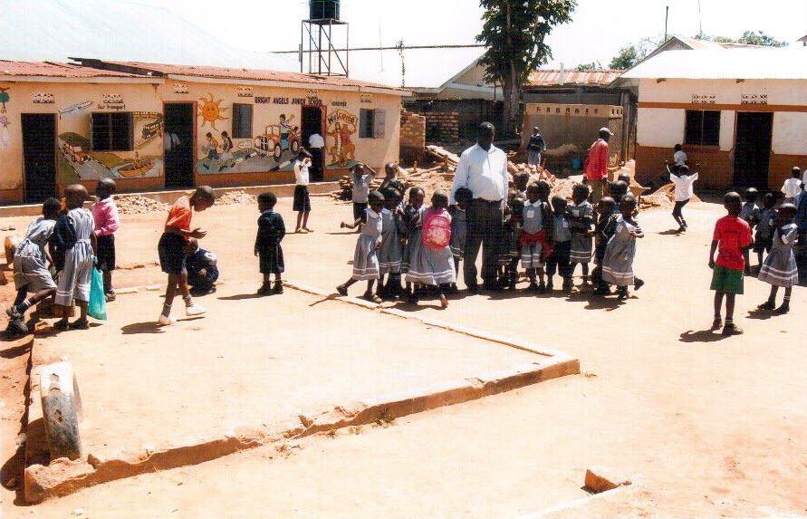 p114_Schule_in_Luzira_Uganda_002
